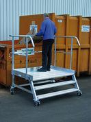 Sonderbau Plattformtreppe aus Aluminium, fahrbar